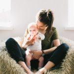 新生児の赤ちゃんのゲップが出ない時どうする?簡単なやり方と対処法